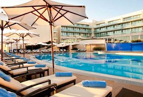 Hotel Kempinski Swimming pool
